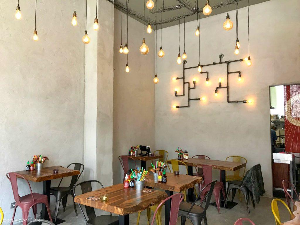 Foto interieur Noo.Me noodle bar Rotterdam © MEVRYAN.COM