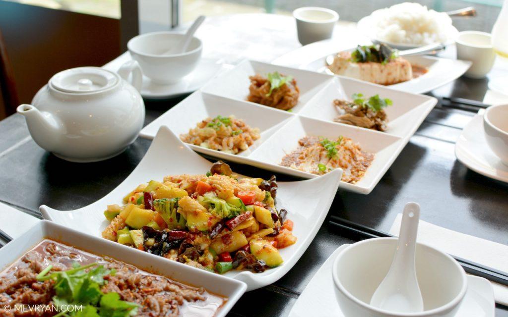 Foto Sichuan gerechten, restaurant SānSān. Food blog © MEVRYAN.COM